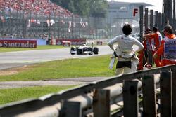 Sergio Perez, Sauber F1 Team watches the action