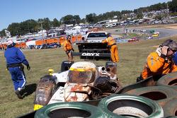 #20 Oryx Dyson Racing Lola B09/86: Humaid Al Masaood, Steven Kane, Butch Leitzinger after a crash in turn 1