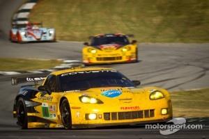 #4 Corvette Racing Chevrolet Corvette C6 ZR1: Oliver Gavin, Jan Magnussen, Richard Westbrook