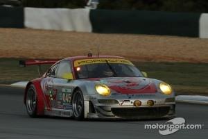 #45 Flying Lizard Motorsports Porsche 911 GT3 RSR: Jörg Bergmeister, Patrick Long, Marc Lieb