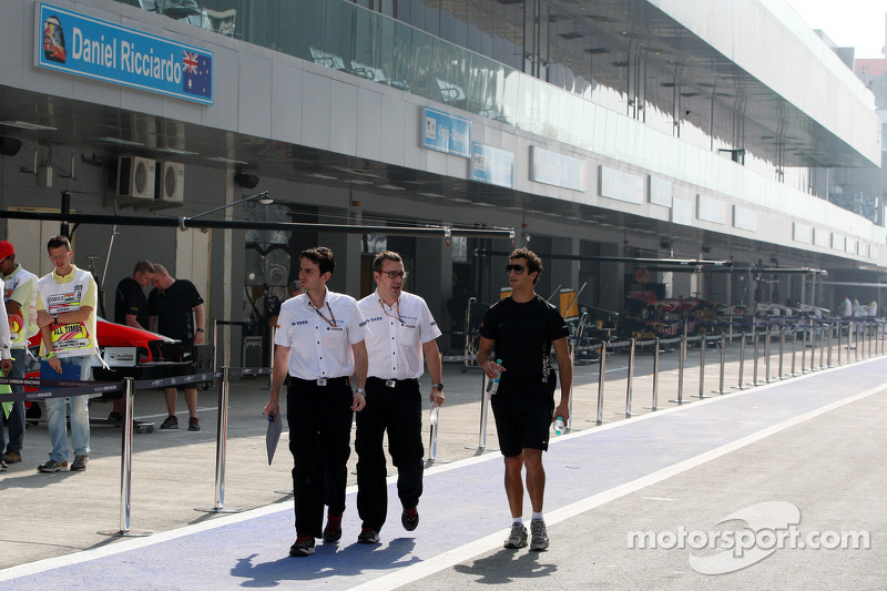 Daniel Ricciardo, HRT Formula One Team walks the track