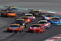 Start #12 AUH Motorsports/FF Corse Ferrari 458 Italia GT3: Leon Price, Rob Barff, Jordan Grogor, Charlie Hollings leads