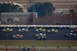 Matt Kenseth, Roush Fenway Racing Ford leads the pack