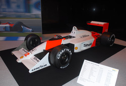 Ayrton Senna McLaren Honda no stand do Senna Tribute