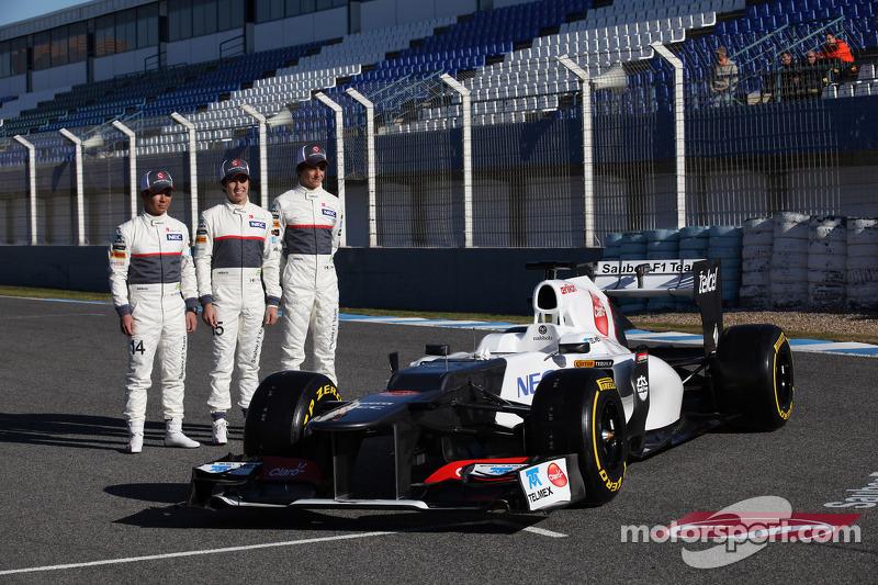 Kamui Kobayashi, Sauber F1 Team met Sergio Perez, Sauber F1 Team en Esteban Gutierrez, Sauber F1 Tea
