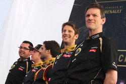 Romain Grosjean, Lotus Renault F1 Team and James Allison, technical director, Lotus F1 Team