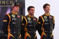 Kimi Raikkonen, Lotus Renault F1 Team with Jérôme d'Ambrosio, Lotus Renault F1 Team and Romain Grosjean, Lotus Renault F1 Team