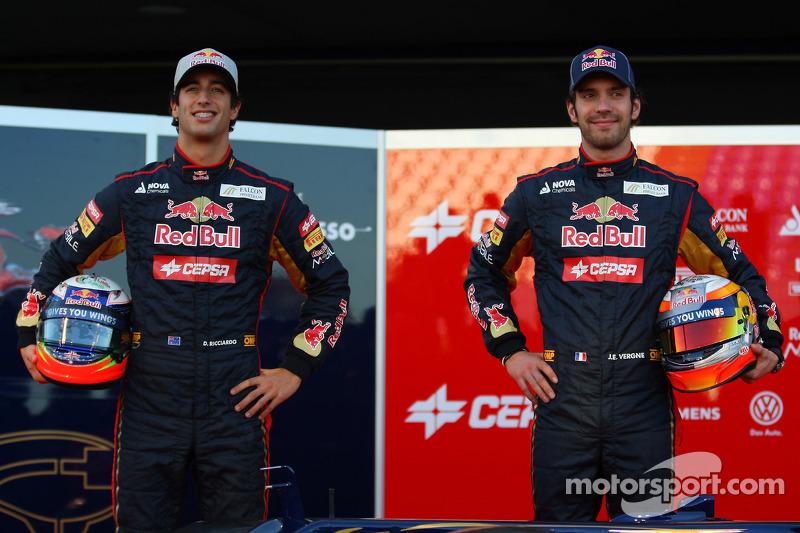 Новий сезон Toro Rosso почала з новою парою пілотів – у 2012 році команда оголосила про підписання контрактів із Даніелем Ріккардо та Жаном-Еріком Вернєм.