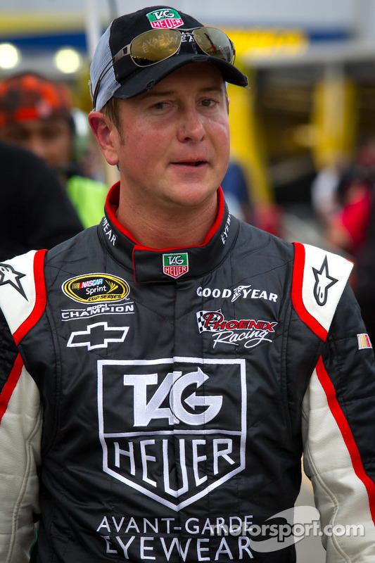 Kurt Busch, Phoenix Racing Chevrolet in de garage na crash