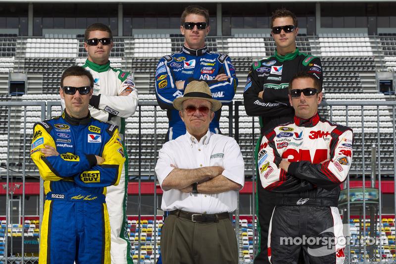 Jack Roush met zijn rijders, Matt Kenseth, Ricky Stenhouse Jr., Carl Edwards, Trevor Bayne en Greg Biffle