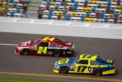 Jeff Gordon, Hendrick Motorsports Chevrolet, Matt Kenseth, Roush Fenway Racing Ford
