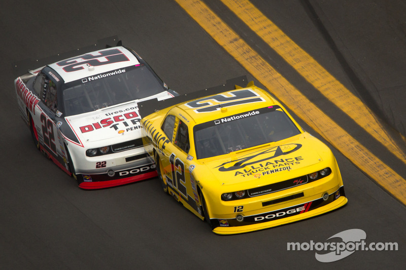Sam Hornish Jr., Penske Racing Dodge en Brad Keselowski, Penske Racing Dodge