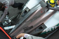 Nico Rosberg, Mercedes AMG Petronas engine cover and exhaust