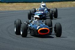 #1 Richard Attwood - BRM P261 F1 (1964) and #58 Richard Smeeton - Wainer Ford FJ