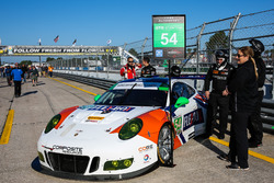 №54 CORE autosport Porsche 911 GT3R: Джон Беннет, Колин Браун, Ник Йонссон
