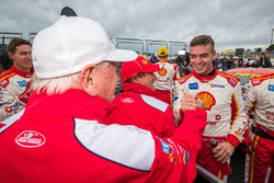2. Scott McLaughlin, Team Penske, Ford, mit Dick Johnson