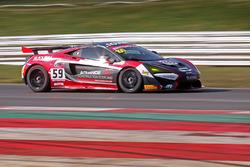 #59 Garage 59 McLaren 570S GT4: Dean Macdonald, Akhil Rabindra