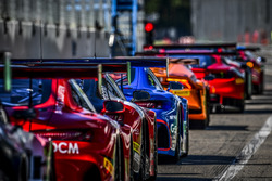 #16 Black Falcon,  Mercedes-AMG GT3: Оливер Морли, Маниуэль Мецгер, Мигель Ториль