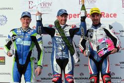 Podio Superstock: Winner Alastair Seeley, BMW, Lee Johnston, BMW, Dean Harrison, Kawasaki
