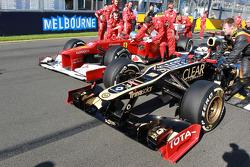 Fernando Alonso, Scuderia Ferrari and Kimi Raikkonen, Lotus Renault F1 Team