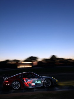 #044 Flying Lizard Motorsports Porsche 911 GT3 RSR: Darren Law, Seth Neiman, Andy Lally