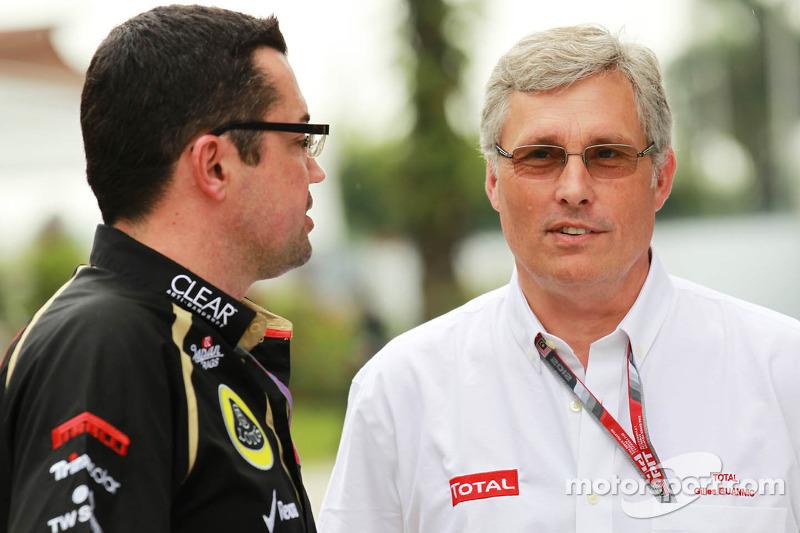Eric Boullier, Lotus F1 Team Principal met Gilles Buannic, Total Global Travel Manager
