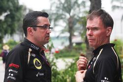 Eric Boullier, Lotus F1 Team Principal with Alan Permane, Renault Race Engineer