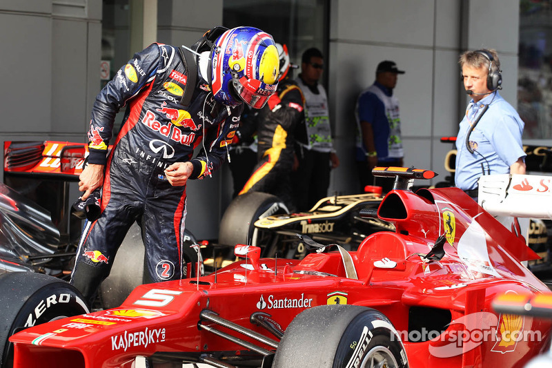 Mark Webber, Red Bull Racing takes a look at the Ferrari