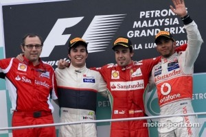Podium: race winner Fernando Alonso, Scuderia Ferrari, second place Sergio Perez, Sauber F1 Team, third place Lewis Hamilton, McLaren Mercedes