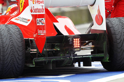 Fernando Alonso, Scuderia Ferrari met flow-vis verf op de diffuser