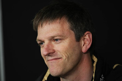James Allison, Lotus Team Technical Director in de FIA perconferentie