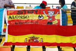 Fernando Alonso, Scuderia Ferrari banners