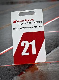 Pit board for #21 Hitotsuyama Racing Audi R8 LMS: Cyndie Allemann, Akihiro Tsuzuki
