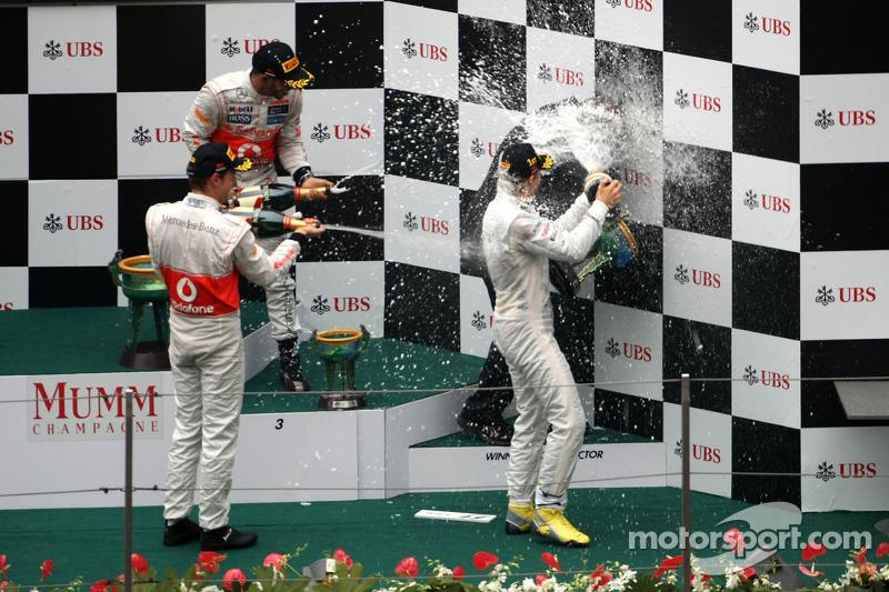 Jenson Button, McLaren Mercedes, Nico Rosberg, Mercedes AMG F1, Lewis Hamilton, McLaren Mercedes y Norbert Haug, Mercedes, Jefe de Motorsport