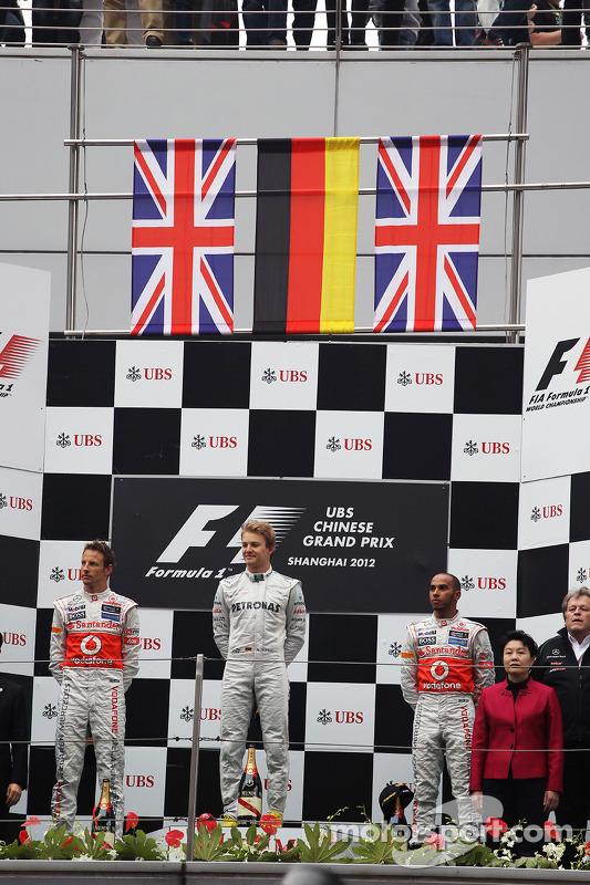 Podium: race winner Nico Rosberg, Mercedes AMG F1, second place Jenson Button, McLaren, third place Lewis Hamilton, McLaren