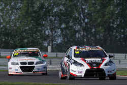 Stefano D'aste, BMW 320 TC, Wiechers-Sport and Tiago Monteiro, SEAT Leon WTCC, Tuenti Racing Team