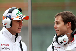 Nico Hulkenberg, Sahara Force India Formula One Team and Will Hings, Press officer, Sahara Force India Formula One Team
