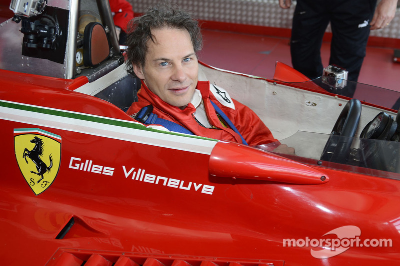 Jacques Villeneuve bestuurt zijn vader's 312 T4