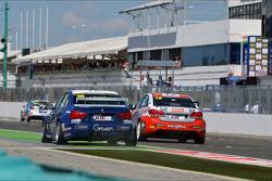 Alberto Cerqui, BMW 320 TC, ROAL Motorsport en Pasquale di Sabatino, Chevrolet Cruze 1.6T, bamboo-engineering