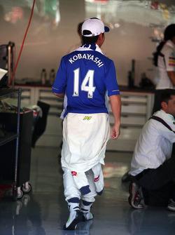 Kamui Kobayashi, Sauber F1 Team with a Chelsea FC shirt