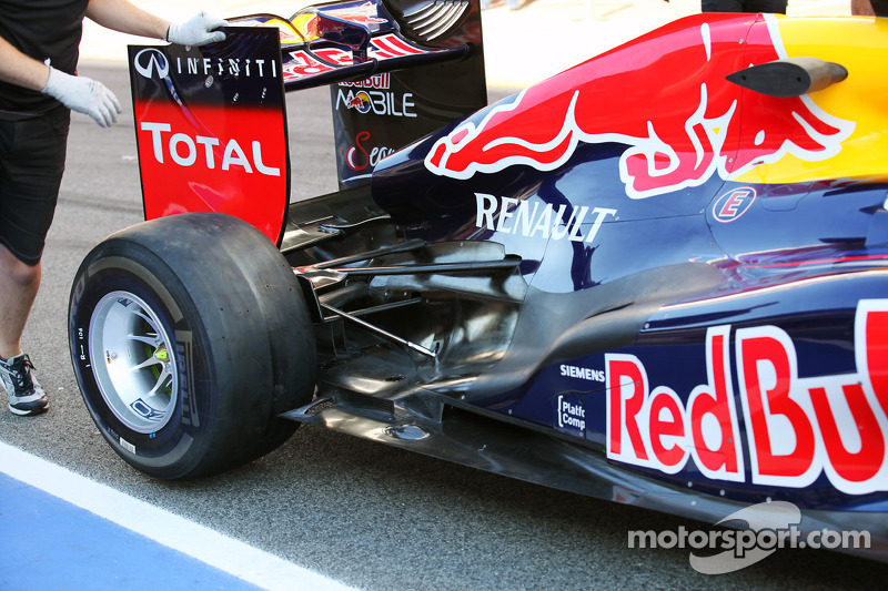 Red Bull Racing exhaust and rear suspension detail