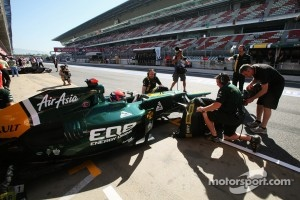 Alexander Rossi, Caterham Test Driver in the pits