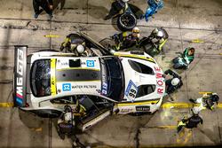 №99 Rowe Racing, BMW M6 GT3: Филипп Энг, Александр Симс, Максим Мартен, Марк Бассенг