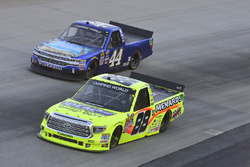 Matt Crafton, ThorSport Racing, Toyota; Matt Mills, Chevrolet