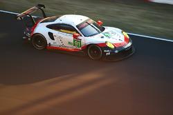 №91 Porsche Team Porsche 911 RSR: Рихард Лиц, Фредерик Маковецки, Патрик Пиле