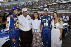 Chase Elliott, Hendrick Motorsports Chevrolet, Dale Earnhardt Jr., Hendrick Motorsports Chevrolet front row with Rick, Linda Hendrick