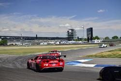 #76 TA3 Chevrolet Corvette, Preston Calvert, Phoenix Performance, #5 TA3 Porsche 997, Milton Grant, Grant Racing 2