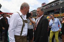 د.هيلموت ماركو، مستشار فريق ريد بُل ريسينغ وتشايس كاري، الرئيس التنفيذي لمجلس إدارة مجموعة الفورمولا واحد