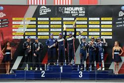 P3 Podium: Racewinnaars #9 AT Racing, Ligier JS P3 - Nissan: Alexander Talkanitsa Sr., Alexander Talkanitsa Jr., Mikkel Jensen, tweede plaats #2 United Autosports, Ligier JS P3 - Nissan: John Falb, Sean Rayhall, derde plaats #18 M.Racing - YMR, Ligier JS P3 - Nissan: Alexandre Cougnaud, Antoine Jung, Romano Ricci
