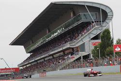 Fernando Alonso, Scuderia Ferrari leads the race